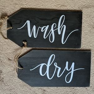 Laundry Signs (2) NWT